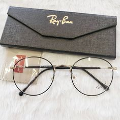 Welcome to RB-VOGUE, worldwide leaders in exclusive, rare and hard to find Ray-Ban sunglasses.You'll find the greatest selection of Ray-Ban sunglasses here ,available to ship worldwide. Glasses Frames Trendy, Cool Glasses, New Glasses, Men With Glasses, Circle Glasses, Sunglasses Case, Sunglasses Women, Glasses Trends, Lunette Style