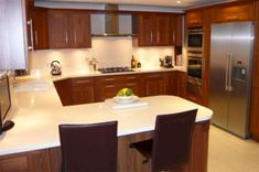 4 Easy Cool Tips: Simple Kitchen Remodel Budget kitchen remodel modern bathroom.Kitchen Remodel Must Haves Awesome kitchen remodel on a budget fixer upper. U Shaped Kitchen With Breakfast Bar, G Shaped Kitchen, Small U Shaped Kitchens, Cheap Kitchen Remodel, Galley Kitchen Remodel, Kitchen On A Budget, Kitchen Remodeling, Kitchen 2016, 70s Kitchen