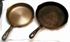 How to Season Cast Iron Skillet? Top ways to Season Cast Iron Skillet. Natural Remedies to Season Cast Iron Skillet. Season Cast Iron Skillet at home. Cast Iron Pot, Cast Iron Cookware, Cast Iron Cooking, It Cast, Skillet Cooking, Cookware Set, Diy Cleaning Products, Cleaning Hacks, Cleaning Recipes