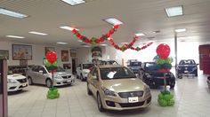 balloon cars balloons car dealerships balloon decorations christmas decorations showroom