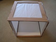 How to make an inexpensive collapsible light box. How to make an inexpensive collapsible light box. Outdoor Light Fixtures, Outdoor Lighting, Photo Light Box, Diy Light Box, Licht Box, Photo Lighting, Lighting Ideas, Jolie Photo, How To Make Light