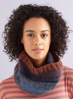 Two Stitch Cowl Pattern (Knit)