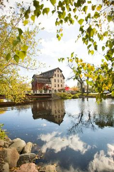 Whether you're looking for cosmopolitan flair, small-town fun or outdoorsy adventures, you'll find it all here. Cedarburg Wisconsin, Milwaukee Wisconsin, Wisconsin Dells, Lake Michigan, Weekend Trips, Weekend Getaways, Small Towns, Wisconsin Attractions, Wisconsin Vacation