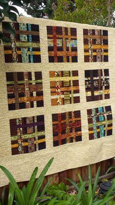 Modern Handmade Wall Hanging Quilt Between por QuiltsClothsCovers