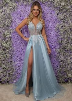 Vestido de festa longo azul serenity com fenda Sparkly Prom Dresses, A Line Prom Dresses, Grad Dresses, Pretty Dresses, Homecoming Dresses, Blue Dresses, Beautiful Dresses, Evening Dresses, Bridesmaid Dresses