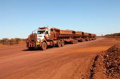 Kenworth C510 #heavyhauling Road Train, Heavy Duty Trucks, Kenworth Trucks, Australia, Country Roads, Trains, Cars, King Size, Oil