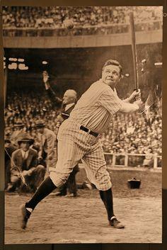 Noah aka Lil Bambino See That! Babe Ruth, New York Yankees My Yankees, Yankees News, New York Yankees Baseball, Baseball Live, Sports Baseball, Baseball Bats, Baseball Equipment, Softball, Babe Ruth