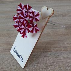 Tischkarten, Platzkarten, Reagenzglashalter aus Holz zum Selbstbeschriften // Die geschmackvolle Tischkarte bzw. Platzkarte der besonderen Art! Vom bunten Kindergeburtstag bis hin zur festlichen Hochzeit - diese Tischkarte bzw. Platzkarte aus Holz ist die optimale Ergänzung zu Ihrer Tischdeko. Da diese Holzkarte auch prima als Anhänger verwendet werden kann, bieten wir diese mit und ohne Reagenzglas an.