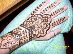 Hand through wrist Henna Body Art, Henna Tattoo Designs, Mehendi, Sweet 16, Madness, Tatting, Piercings, Ink, Future