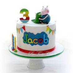 Mesas de dulces, pasteles, cupcakes, cake pops, chocolates, galletas y mas, de Peppa Pig y George! Peppa Pig Y George, George Pig Cake, George Pig Party, Peppa Pig Birthday Cake, Boys 1st Birthday Cake, Cupcakes, Cupcake Cakes, Cookie Cakes, Cake Pops