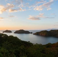 Daily Daydream! Take in the exotic wildlife and dramatic mountains in #CostaRica. Find more of the top #vacation spots!