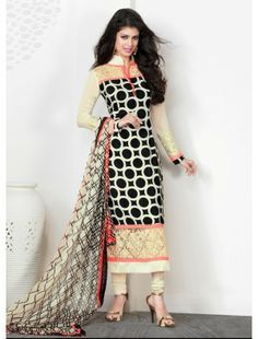 You Will Be The Center Of Attention In This Attire. Add The Sense Of Feminine Beauty By This Black Crepe Silk Salwar Kameez. This Attire Is Beautifully Adorned With Patch Work, Resham & Stones Work. Pakistani Outfits, Indian Outfits, Saris, Indian Salwar Kameez, Churidar, Salwar Suits, Punjabi Suits, Desi Clothes, Looks Chic