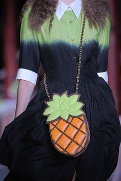 Moschino S/S 2013 pineapple bag detail