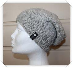 Ravelry: Less is more - hat pattern by Guri Østereng Halvorsen Free Knitting, Knitting Patterns, Sewing Patterns, Crochet Patterns, Knitting Ideas, Diy Craft Projects, Crochet Projects, Crafts, Craft Ideas