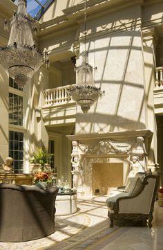 Glamorous Villa Design with Italian Style: Luxury Mediterranean Living Room Crystal Chandelier Italiannate Villa