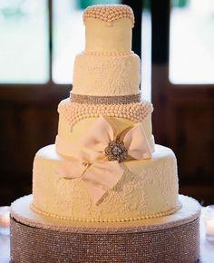 Wedding Cake // John & Joseph Photography // Planner: Details Details // Location: Ponte | http://bestromanticweddings.blogspot.com