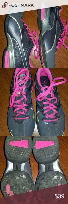 Puma Tazon 6 FM Sz 9 Puma Tazon 6 FM Sz 9 pink and gray only worn twice Puma Shoes Sneakers