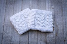 Twists & Turns Boot Cuffs is an exclusive design inside the April 2017 issue ( of Happily Hooked Magazine. Crochet Boot Cuffs, Crochet Boots, Knit Crochet, Neutral Hats, Baby Security Blanket, Hippie Love, Craft Show Ideas, Snowflake Designs, Hip Bag