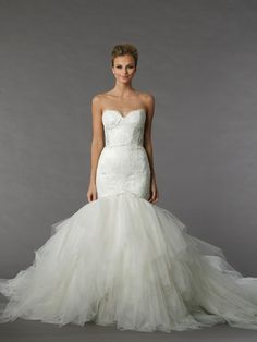Pnina Tornai Sweetheart Mermaid Gown in Lace and Tulle | KleinfeldBridal.com