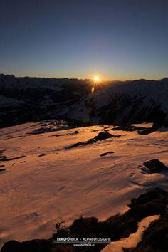 Sonnenuntergang am Ronachgeier. Wald, Königsleiten, Salzburgerland, Kitzbüheler Alpen, www.alpindis.at Celestial, Sunset, Outdoor, Woods, Outdoors, Sunsets, Outdoor Games