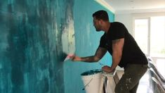 How to do Vertical Style Venetian Plaster Marmorino application. Custom Aqua color for this sexy accent wall, Bringing walls to life Exotic Wall Finishes and Design always with my Marmorino Tools Creative Wall Painting, Wall Painting Decor, Creative Walls, House Painting, Painting Furniture, Painting Textured Walls, Faux Painting, Wall Texture Design, How To Texture Walls