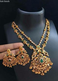 Antique Jewellery Designs, Gold Earrings Designs, Gold Jewellery Design, Gold Jewelry, Gold Necklace, Tanishq Jewellery, Bridal, Fashion Jewelry, American Diamond Jewellery