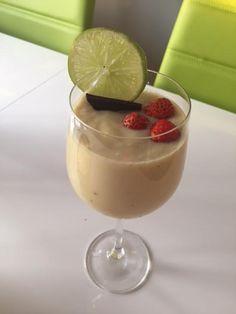 Letná Piňakoláda. Panna Cotta, Pudding, Ethnic Recipes, Smoothie, Desserts, Food, Alcohol, Tailgate Desserts, Dulce De Leche
