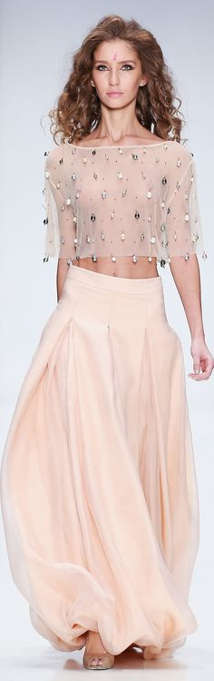 Ma Ya Spring-summer 2015 - Ready-to-Wear Estilo Fashion, Fashion Moda, Look Fashion, Fashion Design, Fashion Women, Mode Chic, Mode Style, Couture Fashion, Runway Fashion