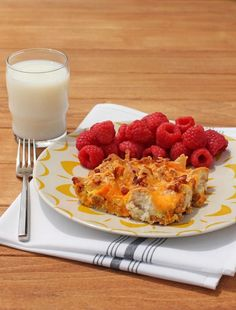 This Bubble Up Breakfast Casserole has sausage, bacon, eggs, cheese, biscuits and sweet potatoes - all your favorites in one easy dish for 315 calories or 9 Weight Watchers SmartPoints! www.emilybites.com