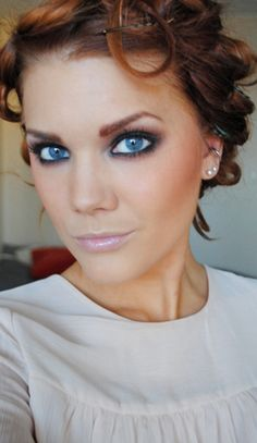 Linda Hallberg - makeup artist. I should try this for my blues