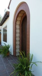 Porta com azulejos portugueses