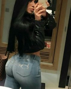 Cute Things Girls Do, Spanish Woman, Musa Fitness, Latina Girls, Sexy Jeans, Denim Jeans, Girls Jeans, Sensual, Sexy Women