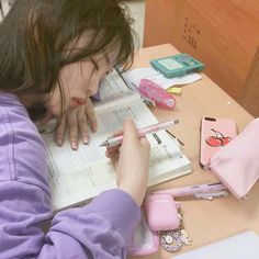 Image uploaded by L L. Find images and videos about girl, cute and pink on We Heart It - the app to get lost in what you love. Korean Girl Photo, Cute Korean Girl, Asian Girl, Korean Girl Ulzzang, Mode Ulzzang, Korean Aesthetic, Aesthetic Girl, Study Photos, Girl Photos