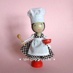 Queen of the kitchen - Ben je op zoek naar houten poppetjes? http://credu.nl/product/kegel-poppetje-100cm/