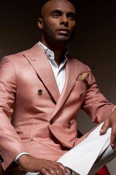 Colour style guide for dark skin men Gentleman Mode, Gentleman Style, Mens Fashion Blog, Estilo Fashion, Men's Fashion, Fashion 2018, Fashion Styles, Fashion Ideas, Fashion Trends