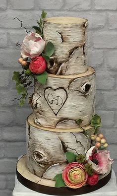 Love Wedding Cakes Silver birch wedding cake with hand made sugar flowers. Birch Wedding Cakes, Country Wedding Cakes, Small Wedding Cakes, Wedding Cake Rustic, Wedding Cake Designs, Wedding Cupcakes, Birch Tree Cakes, Enchanted Forest Wedding, Sugar Flowers