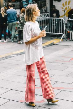 The Non-Sloppy Way to Wear an Oversize T-Shirt via @WhoWhatWearUK