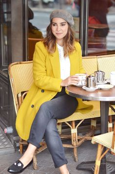 Ideas for how to wear yellow coat fashion Winter Coat Outfits, Fall Outfits, Girly Outfits, Mode Outfits, Fashion Outfits, Fashion Fashion, Mantel Outfit, Beret Outfit, Yellow Coat