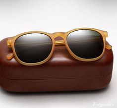ILLESTEVA Hudson Sunglasses.