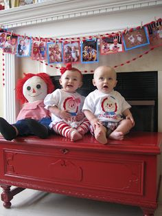 It was the twins' first birthday bash! Not only was it a day to celebrate their first year of life, but I felt. Baby Girl First Birthday, Bear Birthday, Baby 1st Birthday, Birthday Bash, First Birthday Parties, Birthday Party Decorations, Birthday Ideas, Twins 1st Birthdays, Raggedy Ann And Andy