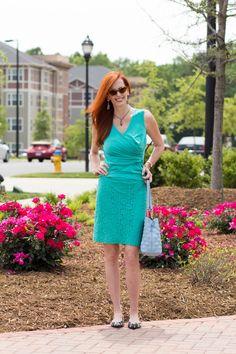 Turning Heads #Linkup Minty Green - Elegantly Dressed & Stylish - Over 40 Fashion Blog
