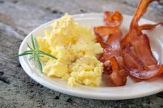 The best scrambled eggs and bacon breakfast - classic goodness on a plate!