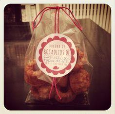 Docena de mini bocaditos de caramelo con un toque de sal. Ideal con café o con cualquier cosa. Un regalito monísimo ☺️ #unbizcochoparateo