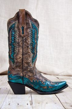 Country Girl Store - Corral Boots® Turquoise Eagle Overlay With Studded Inlay… Botas Western, Western Wear, Western Boots, Cowboy Boots Women, Cowgirl Boots, Cowboy Hats, Over Boots, High Boots, Rain Boots