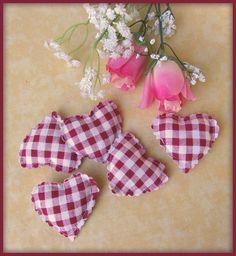 Coussins petits coeurs tissu vichy blanc rouge à décorer (5) : Décoration d'intérieur par orkan28