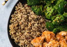 This is one of those recipes you want in your back pocket for days when you need something on the table fast and you'd prefer it to be healthy, satisfying, and pretty if at all possible. Easy 15 Minute Skinny Orange Chicken to the rescue! Banana Oatmeal Pancakes, Banana Oats, Skinny Orange Chicken, Black Bean Casserole, Brown Rice Salad, Most Nutritious Foods, Salad Bowls, Meals For One, Cravings