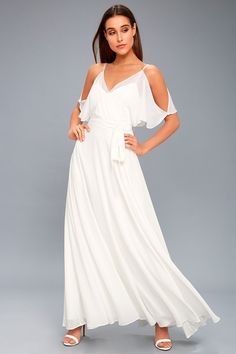 We are loving the romantic vibe of the Ingram White Maxi Dress! Woven fabric, with satin slip lining, falls from skinny straps into a surplice bodice. White Dresses For Sale, Cute White Dress, White Dress Summer, Little White Dresses, White Maxi Dresses, Lace Maxi, Green Dress, Junior Party Dresses, Party Dresses For Women