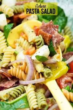 Italian pasta salad is packing a punch of flavor with a homemade Italian dressing. This pasta salad is bursting with goodness salami pepperoni mozzarella tomatoes spinach and pepperoncini!This salad makes a great side dish OR main entree. Salad Recipes Video, Pasta Recipes, Dinner Recipes, Cooking Recipes, Healthy Recipes, Crockpot Recipes, Steak Recipes, Shrimp Recipes, Salmon Recipes