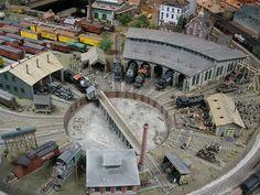 Railroad Line Forums - SUNDAY PHOTO FUN 12-8-2013 ROUNDHOUSE - I always enjoyed watching them shunt the engines around