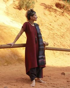 AMALTHEE CREATIONS Raw silk tunic 'dark red'.  sarouel made of raw silk dark purple color  Hand painted raw silk scarf dark blue (n°12)